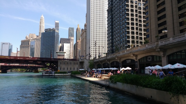 ChicagoRiverwalk1