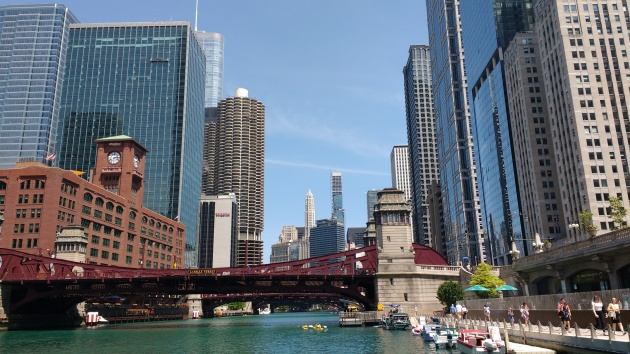 ChicagoRiverwalk2