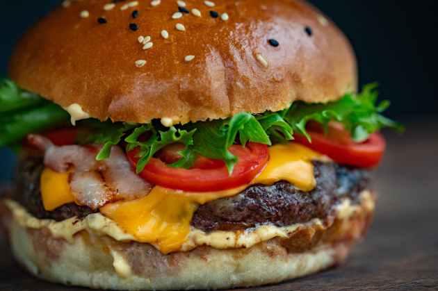 ham burger with vegetables